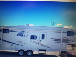 2008 31ft 5th Wheel with Bunks Super Cleen! for Sale in Norco, CA