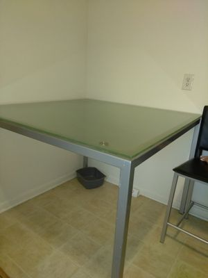 Table set for Sale in Hendersonville, TN