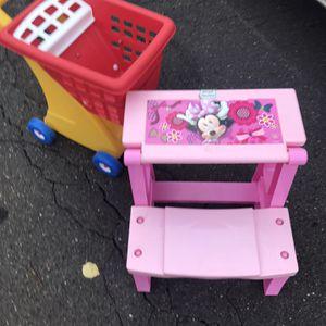 Disney Desk Minnie Mouse for Sale in Philadelphia, PA