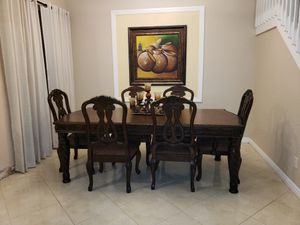 Traditional Dining Set for Sale in Miramar, FL
