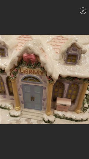 Precious Moments Christmas Village Quiet Time Library for Sale in Auburn, WA