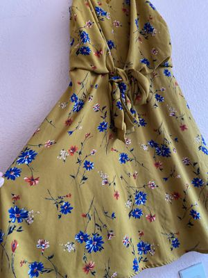 small yellow dress /brand;collective concepts for Sale in Santa Ana, CA