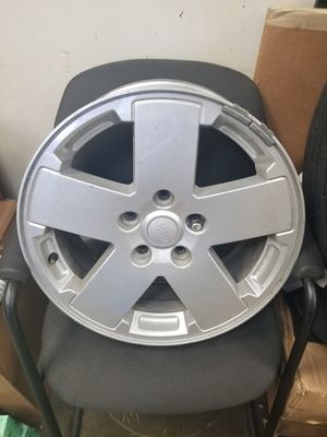 Jeep wheel 18 inch for Sale in Inglewood, CA