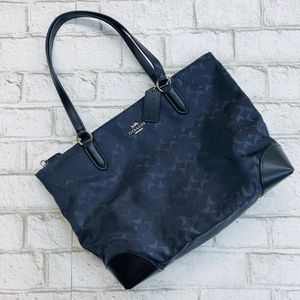 Coach Zip Top Tote in Signature Nylon NWT for Sale in Bellflower, CA