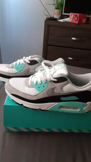 Nike air max women's shoe size 9 for Sale in Harbor City, CA