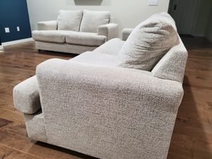 Beautiful Sofa - Almost new for Sale in Kent, WA