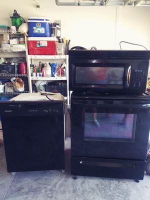 Frigidaire kitchen appliances for Sale in Plant City, FL