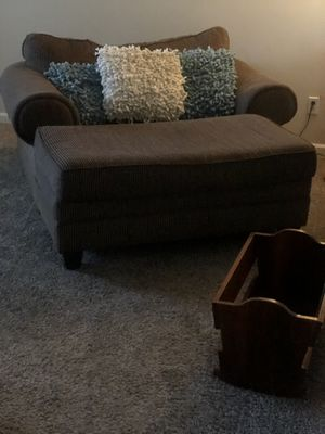 Oversized chair and Ottoman for Sale in Murfreesboro, TN
