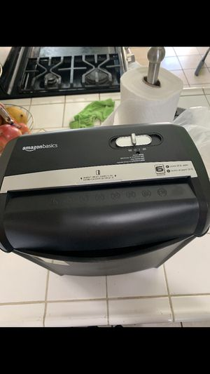 Card and paper shredder for Sale in Hawthorne, CA