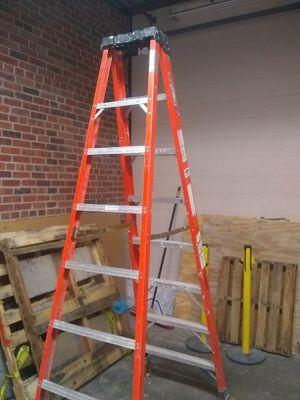 8' Werner fiberglass ladder for Sale in Kansas City, MO