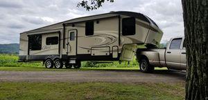 2018 Keystone Cougar 341 RKI 5th wheel camper for Sale in Bloomsburg, PA