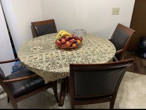 5 pieces dining set for Sale in Lynnwood, WA