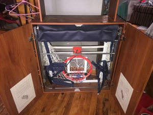 Mini basketball hoop and 3 mini basketballs for Sale in Dearborn, MI