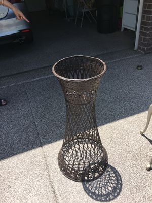 Wicker flower pot holder for Sale in Spring Hill, FL