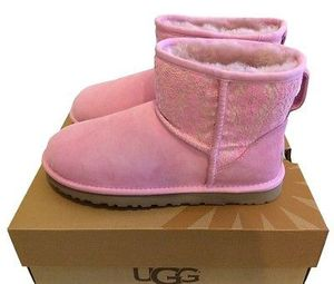 UGG CLASSIC MINI PINK SIZE 6 for Sale in San Francisco, CA