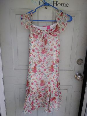 Girls size 14 / 16 Flowered Dress ($3) for Sale in BRECKNRDG HLS, MO