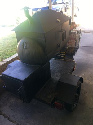 BBQ CUSTOM SMOKER MUST BE SOLD TODAY SERIOUS BUYERS ONLY OR WILL TRADE FOR A GOLF CART OR SIDE BY SIDE LETS MAKE A DEAL TODAY!!!! for Sale in Clermont, FL