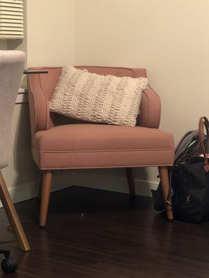 World Market Mauve Arm Chair for Sale in Seattle, WA