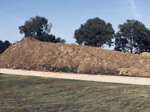 Free fill dirt. Non- structural for Sale in Memphis, TN