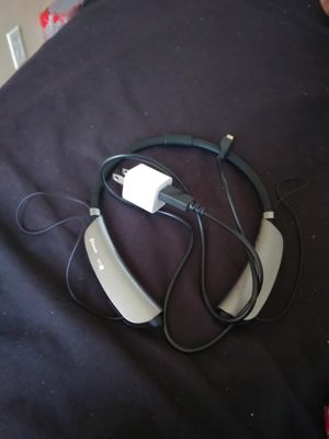Blue tooth ear phone it comes with charger $20 for Sale in Phoenix, AZ