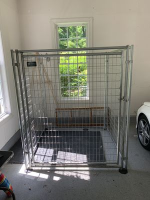 Large Dog Kennel (Jewett-Cameron brand) for Sale in Fulton, MD