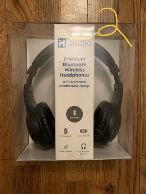 Sony speaker and IHome Bluetooth wireless headphones for Sale in Ann Arbor, MI