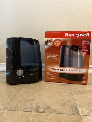 Honeywell Warm Moisture Humidifier for Sale in Long Beach, CA