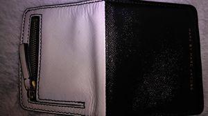 Marc Jacobs wallet for Sale in Phoenix, AZ