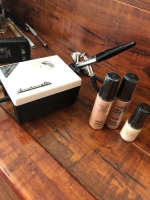 Air brush makeup kit- barely used! for Sale in Las Vegas, NV