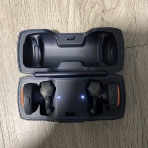 Bose Wireless Bluetooth Headphones for Sale in Bladensburg, MD