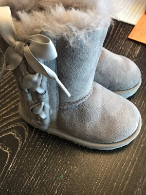 Toddler Ugg Boots Size 7 for Sale in Phoenix, AZ