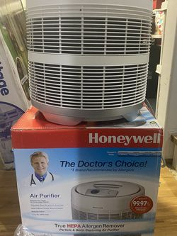 Honeywell True HEPA Air Purifier/Odor Reducer, 50250-S, White for Sale in Lexington,  NC