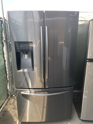 $849 black stainless steel Samsung French door refrigerator includes delivery in the San Fernando Valley There is a scratch at the left side top of t for Sale in Los Angeles, CA