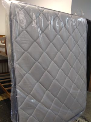 195 queen pillow top mattress and box spring for Sale in Columbus, OH