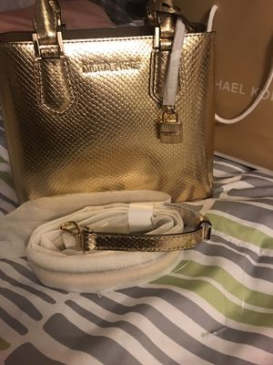 🦃🦃 PRICE REDUCE $110 FIRM/// XMAS 🎁 MICHAEL KORS SHOULDER BAG PURSE for Sale in Rialto, CA