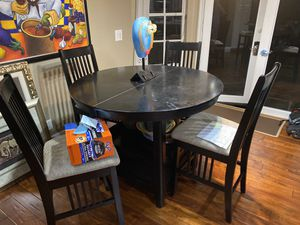 Must sell this weekend Black Wood Table and Chairs for Sale in Tamarac, FL