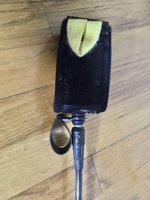 12' Dakine longboard leash. Velcro both ends.