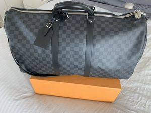 Louis Vuitton duffle bag (never used) for Sale in Las Vegas, NV
