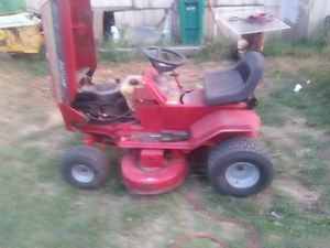 Lawn tractor for Sale in Hickory Creek, TX