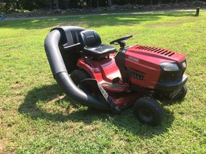 Craftsman T1700 19HP 46-inch riding mower/tractor w/dual bagging system for Sale in Boxford, MA