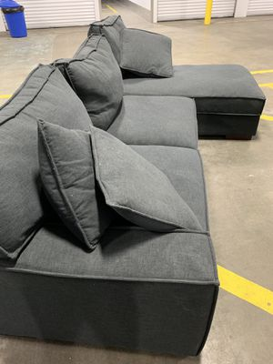 Sectional couch for Sale in Linn, MO