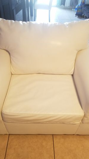 White clean leather couch for Sale in Phoenix, AZ