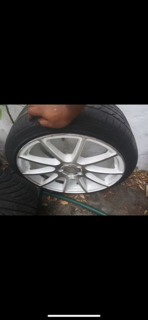 20 inch staggered rims for Sale in Miramar, FL