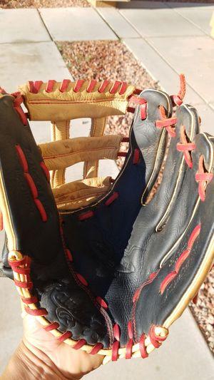 Rawlings 12 in baseball glove for Sale in Avondale, AZ