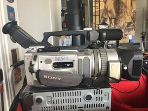 Sony DCR-VX2000 camcorder for Sale in Placentia, CA