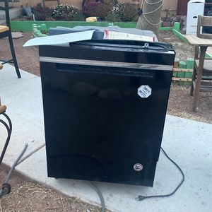 Whirlpool Dishwasher for Sale in North Las Vegas, NV