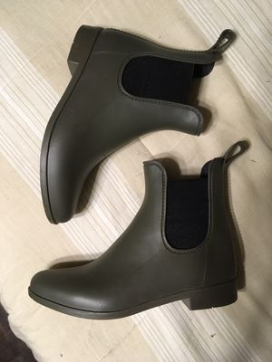 Rubber Ankle Boots—Size 6 for Sale in Silverton, OR