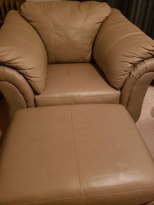 Oversized Leather Chair & Ottoman for Sale in Cleveland, OH