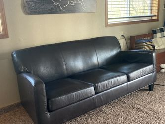 Leather Sofa Like New for Sale in Oregon City,  OR