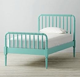 Land Of Nod (Crate & Barrel Kids) Jenny Lind Twin Bed for Sale in Fairfield,  CT
